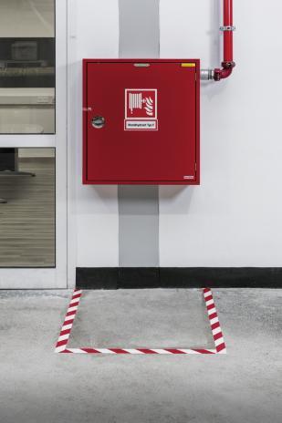 DURABLE Markierungsband DURALINE STRONG COLOUR rot/weiß-2